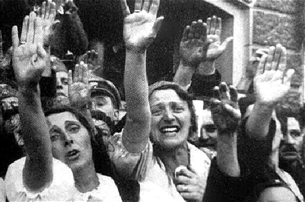 Sudetští Němci radostně vítají Hitlera v Novém Boru 6.10.1938